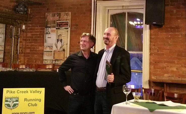 Dirk Sweigart presents HOF award to Tom Steenkamer